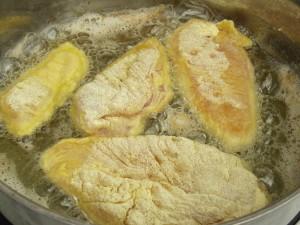 Vaj és olaj keverékében süssük ki a húst